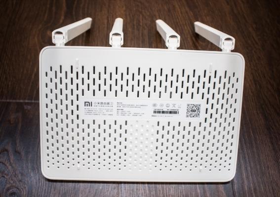 Xiaomi Mi WiFi Router 3 вентиляция и крепежи