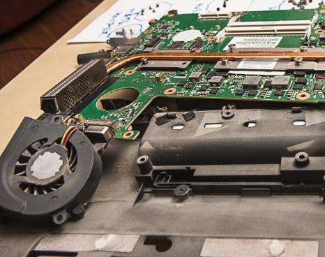 как разобрать ноутбук, скриншот 23, система охлаждения и тепловая трубка