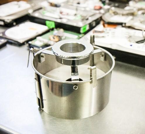 инструмент для извлечения блинов жесткого диска