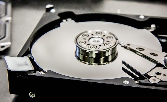жесткий диск в разобранном виде - datarecovery - запилы